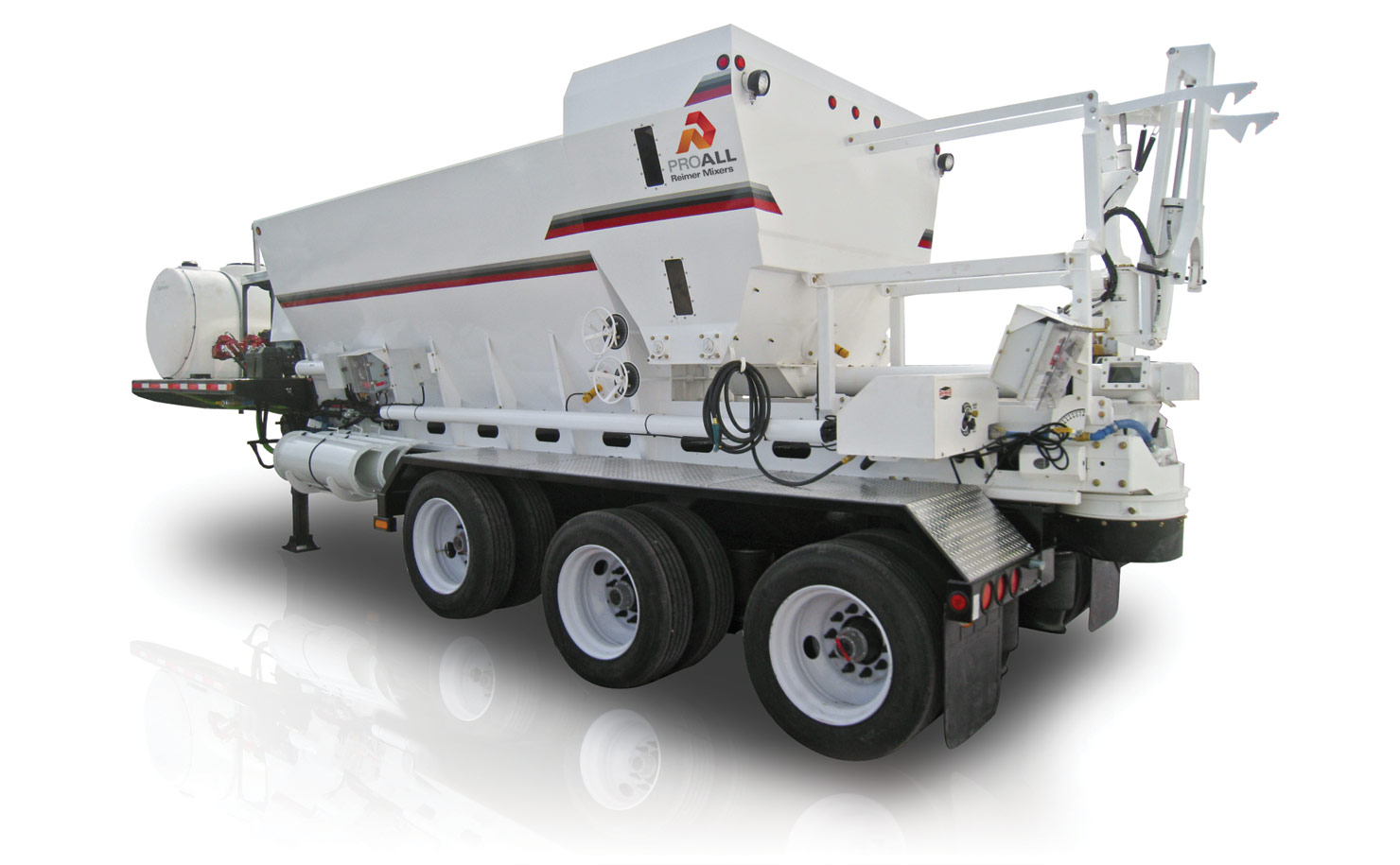 Trailer mounted reimer mixer